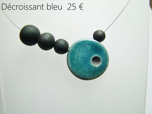 description détaillée du collier de createur en ceramique raku