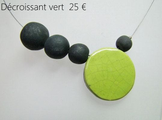 voir la description du collier geometrique en ceramique contemporaine