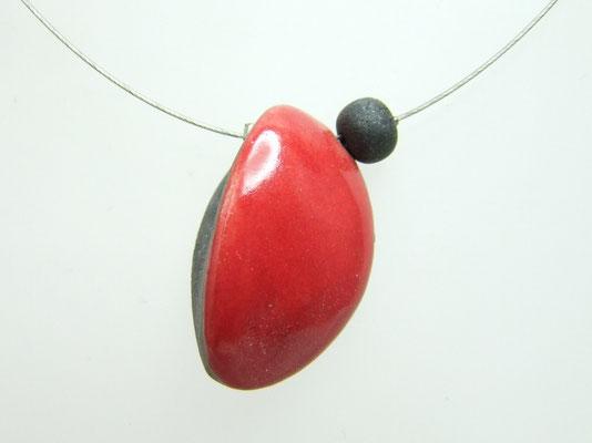 fiche détaillée de ce collier ceramique lune rouge