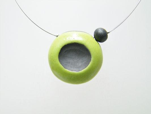 Collier noir et vert en céramique