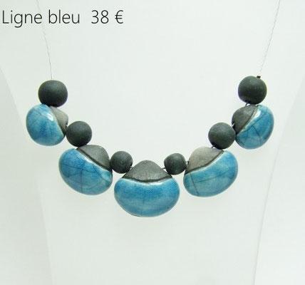 voir en detail le bijou artisanal contemporain en ceramique raku