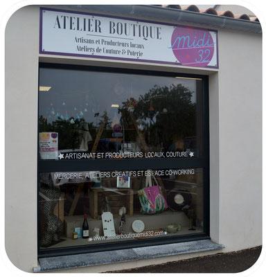 vitrine de l'atelier boutique midi 32