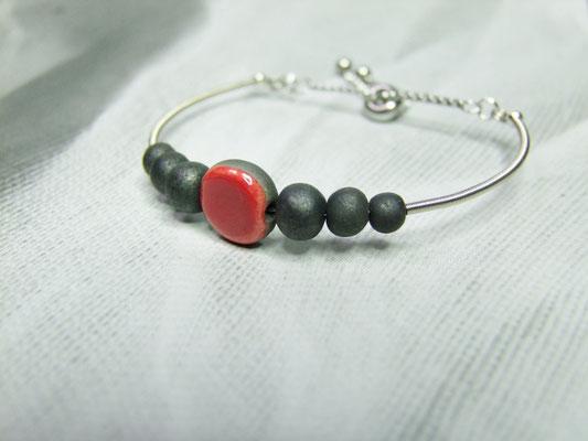 Bijou bracelet raku rouge et noir