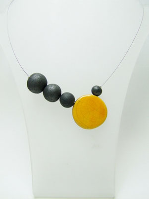 voir collier asymetrique ceramique raku