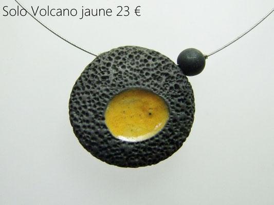 description du collier volcano jaune et noir