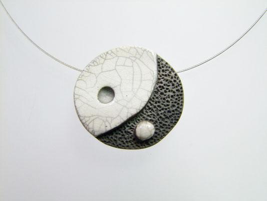 collier yin yang