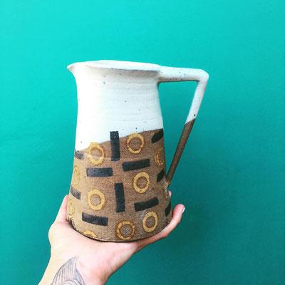 pichet ceramique conteporaine