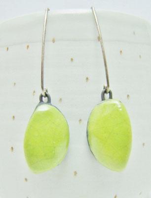 pendants verts en ceramique raku