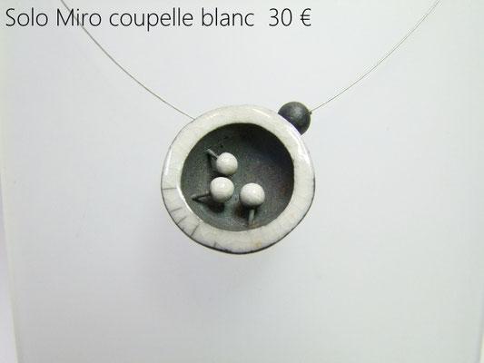 description detaillée du collier de createur en ceramique
