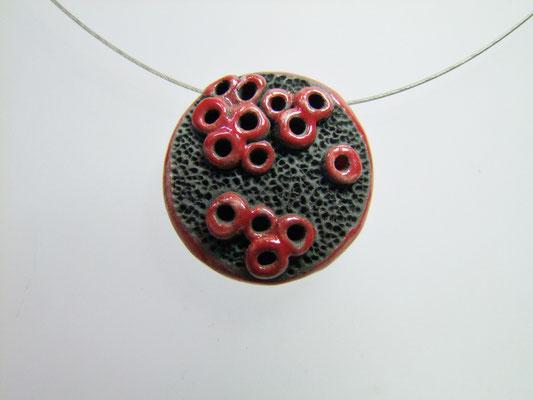 bijou effet pierre de lave et rouge