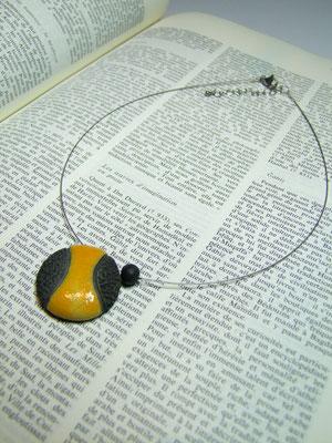 collier ceramique jaune  noir