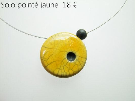 description du bijou artisanal en ceramique raku jaune