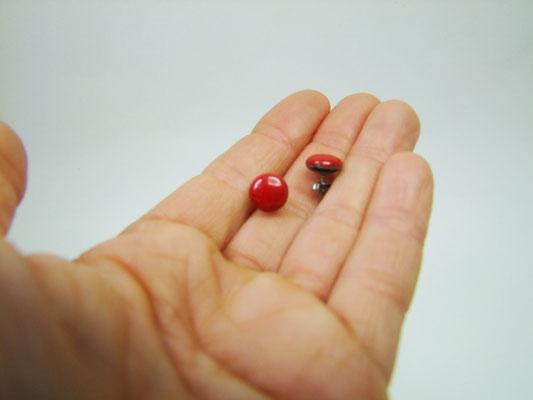 pucs d'oreilles en céramique rouge