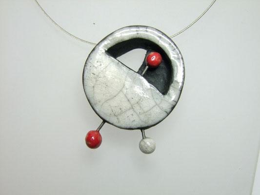 voir le collier contemporain ceramique raku