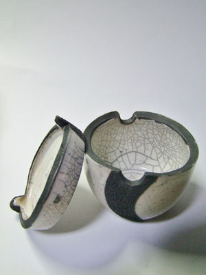 boite ouverte en poterie