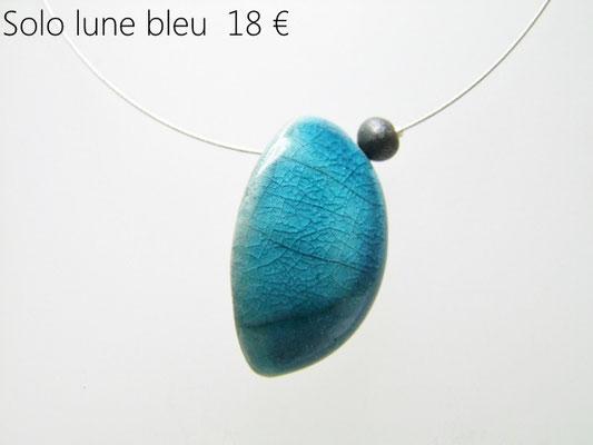 Voir la fiche descriptive du collier ceramique raku bleu en formede lune