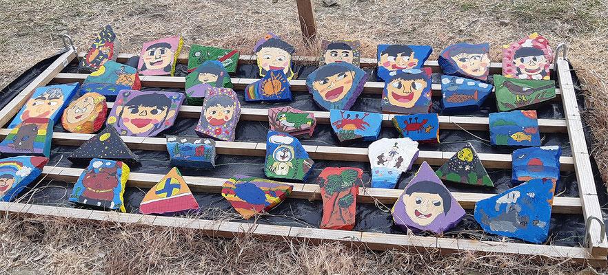 地元南郷地区の5つの小中学校の児童・生徒の作品が展示されました♪