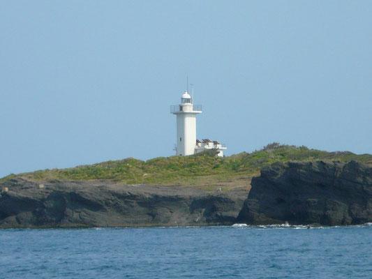 日本最西端三つ島灯台です 明日はレンタルボート博潮丸で キャスティング・トップで ヒラマサに挑戦