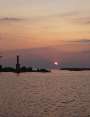 9月13日北東の風7m日の出と共に出船 午前中まです