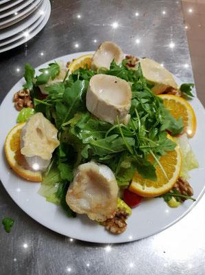 Salat mit Ziegen Käse