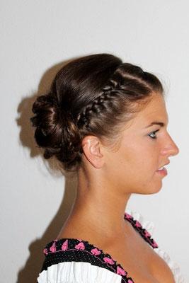 Wiesnfrisur Monika Koller Make-up Artist & Hairstylist