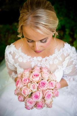 Brautstyling Braut Make-up Brautfrisur Monika Koller