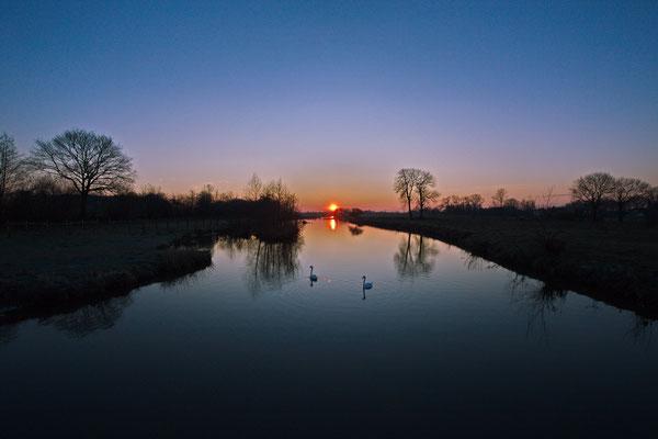 Hab ich eigentlich schon einmal einen Sonnenaufgang fotografiert? Hier ist er.