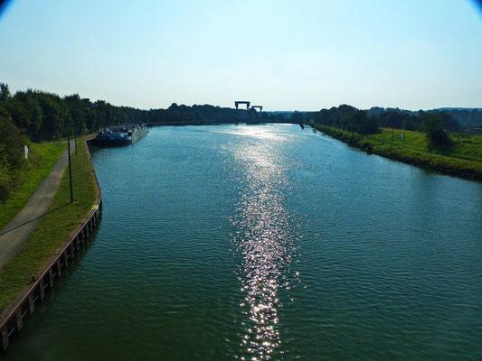Hochsommer am Herne-Dattel-Kanal in Flaesheim