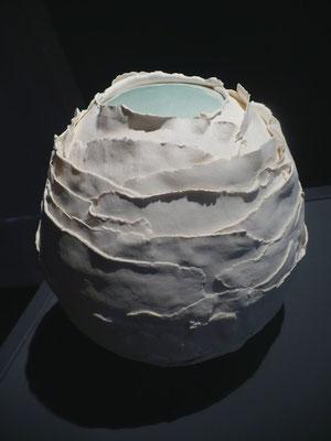 """""""Emergence, ouverture"""", porcelaine (diam 20cm x haut. 30cm))"""