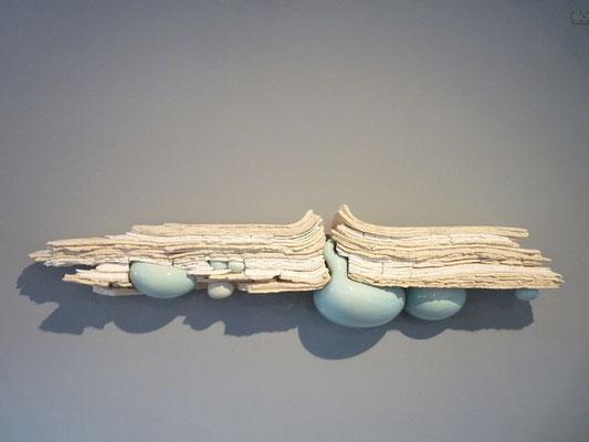 """""""Emergence, strates 2"""" , grès, porcelaine,faïence émaillée (1.25m x 18cm x 30 cm)"""