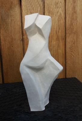 Féminité géométrique - en terre blanche