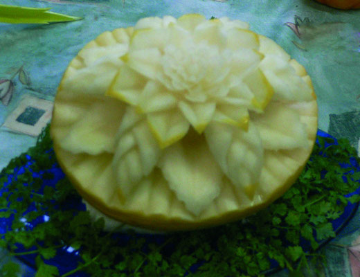 melon jaune sculpté - 20 €