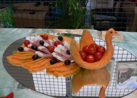 Paon en melon pour garnir de charcuterie - 35 €