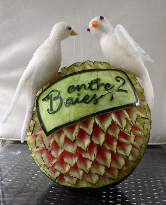 Pastèque logo et 2 oiseaux en radis blanc - 65€