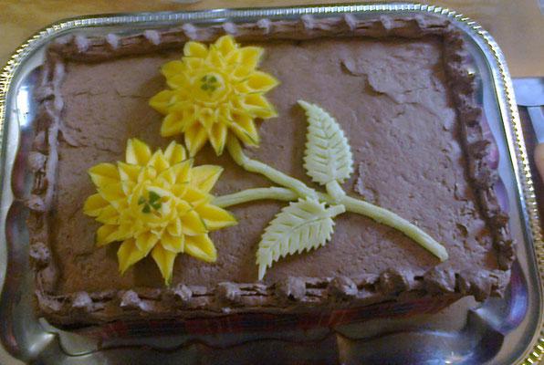 Fleur en mangue pour décorer un gâteau