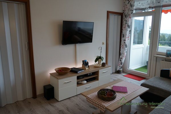 Kabel-TV, Kabel-Radio, Stereoanlage und Bluray-Player