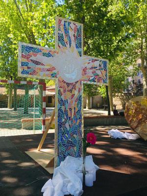Bénédiction de la Croix dans la cour de l'école, 13 mai 2019