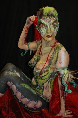 Kinderschminken Bielefeld und auch die Glitzer Tattos werden mit dermatologisch getesteten Farben durchgeführt und begeistert ihre Gäste auf höchsten Niveau mit Luftballonmodellage und Luftballontiere , Kinderschminken Bielefeld ein Erlebnis