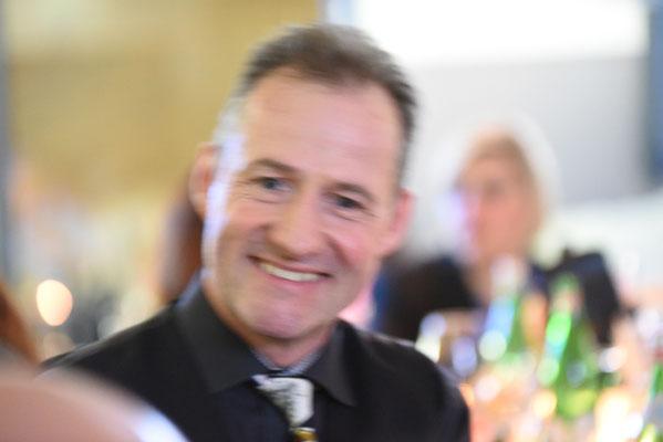 Zauberer in Mössingen, Magier in Mössingen, Tischzauberer in Mössingen, Zauberer für runde Geburtstage Balingen, Zauberer mit seiner stand up Show Mössingen, Kinderzauberer für Firmenevent in Mössingen, Hochzeit in Mössingen, Zauberkünstler in Mössingen