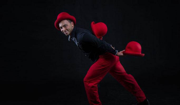 Jongleur in Ludwigsburg, Jongleur Show Ludwigsburg, Showact, Showkünstler in Ludwigsburg, Hut jongleur Ludwigsburg, Hut jongleur in Ludwigsburg, Showacts in Ludwigsburg, Artist in Ludwigsburg, Showkünstler in Ludwigsburg, Jonglage in Ludwigsburg