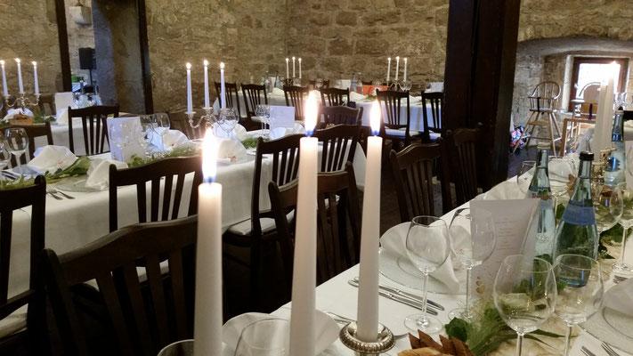Hochzeitszauberer fasziniert alle kleinen und großen Gäste an Ihrem wichtigsten Tag und sorgt für wunderbare Stimmung Stuttgart mit seiner Zaubershow. Unvergessliche Momente mit dem Hochzeitszauberer sind Ihnen garantiert.