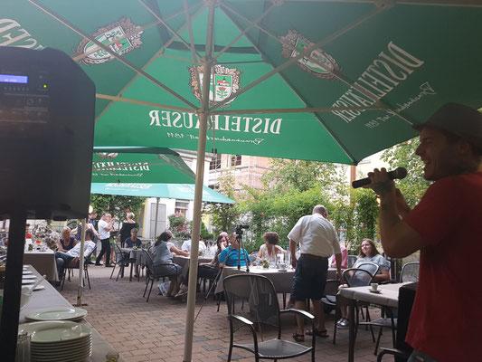 Wolfgang war auch in Abstatt dabei und hat mitgefeiert im Al Casale Ristorante & Pizzeria. Abendprogramm in Stuttgart erleben. Die Feier war bestens gelungen und alle hatten Ihren Spaß mit den Zauberern die mit Tischzauberei die Gäste begeisterten.