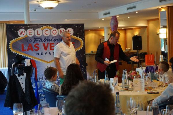 Der Zauberer für Geburtstag in Stuttgart bietet Zaubershows auch zur Kommunion, Konfirmation, Einschulung und einer Jugendweihe.