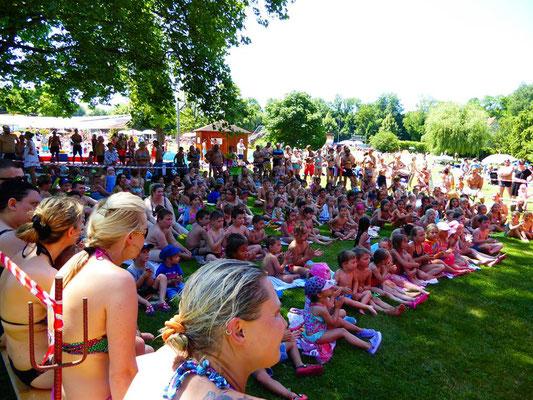 Das beste Villinger Puppentheater Stuttgart ist immer ein Erlebnis und seit über 20 Jahren auch für die Sparkassen in Schulen und Kindergärten mit ihrer Präventionsarbeit unterwegs. Mit Geschichten erleben die Kinder Alltagssituationen aus dem Leben.