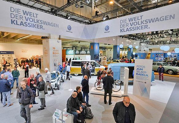 VW CLASSIC Messestand Techno Classica, Übersicht 3