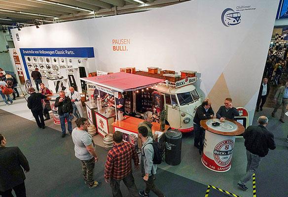 VW CLASSIC Messestand Techno Classica, Pausen Bulli
