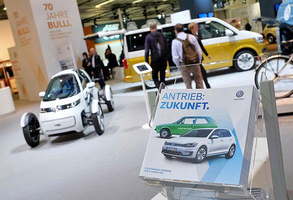 VW CLASSIC Messestand Techno Classica, Antrieb Zukunft