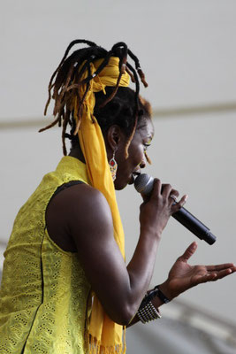 DOBET GNAHORÉ  - The powerful singer from the ivory coast - IN WÜ - AFRICA FESTIVAL 2010