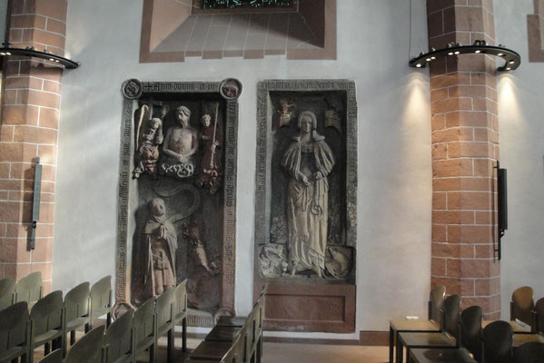 Grabsteine: Siegfrieds zum Paradies und der von Katharina Netheha zum Wedel. Beide von Madern Gerthner (1410/1420)