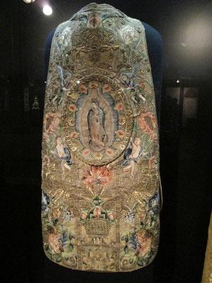 Kasel (liturgisches Gewand) Mexiko um 1720. Für mich das schönste Stück im Dommuseum.